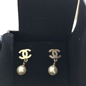 Chanel Pearl and Gold CC earrings